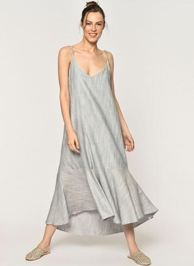 6b85ad1adde8e Loves You A Form Eteği Volanlı Sırtı Lastik Detaylı Askılı Elbise Mavi ...